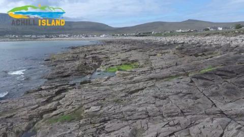 Zona de piedras donde apareció la playa