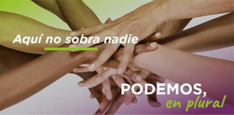 Cartel de Podemos en Plural, manos entrelazadas