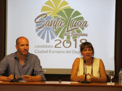 Dunia González y Raúl Pablo presentando la candidatura de la Ciudad Europea del Deporte 2018