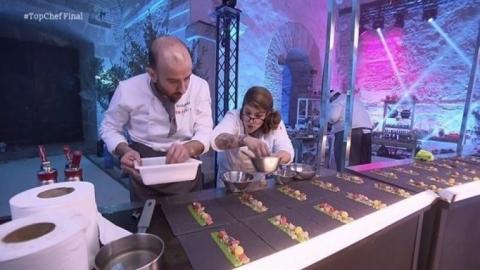 Rakel, ganadora de Top Chef 4, en la cocina