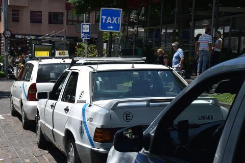 Fila de taxis de Santa Cruz de Tenerife