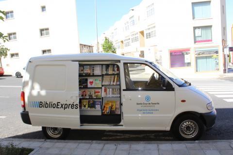 Guagua de la BiblioExprés en Santa Cruz de Tenerife