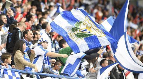 Aficionados del Leganés en estadio de fútbol