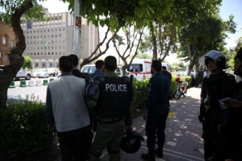 Policías iraní