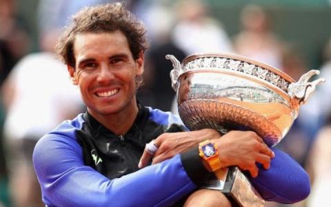 Rafael Nadal con la décima Copa de Roland Garros