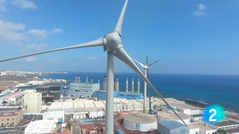 Un aerogenerador en Lanzarote