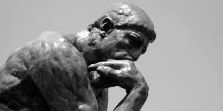 Estatua pensando