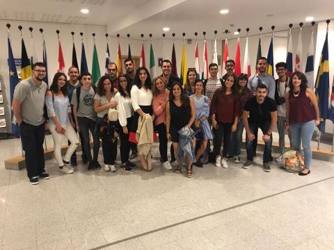 Jóvenes de la Asociación Mahay en el Parlamento Europeo