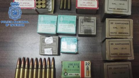 Material incautado de cartuchos de munición