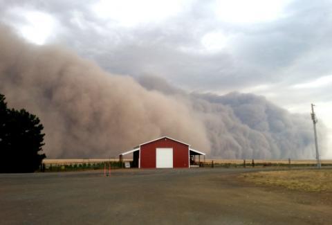 Una nube de polvo en una tormenta de EEUU