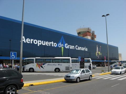 Fachada del aeropuerto de Gran Canaria