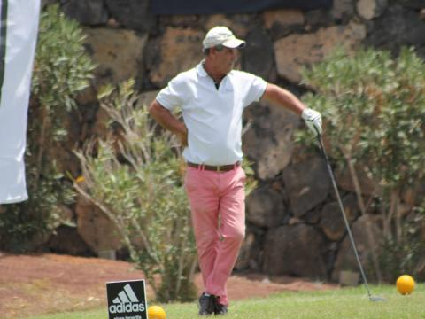 Un jugador de golf