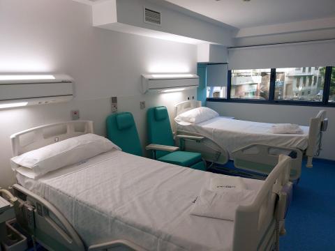 Camas de una habitación de hospital