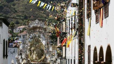 Virgen del Pino en procesión