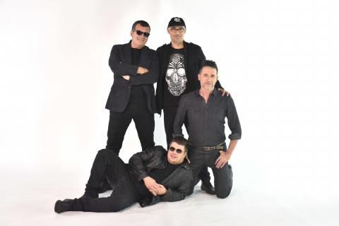 la banda 'Los IrreSIXtibles'