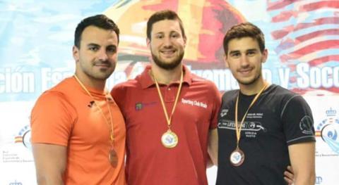 En el podium Edu con los dos internacionales italianos