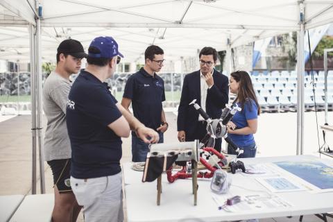 Pablo Rodríguez en el Taller de robótica