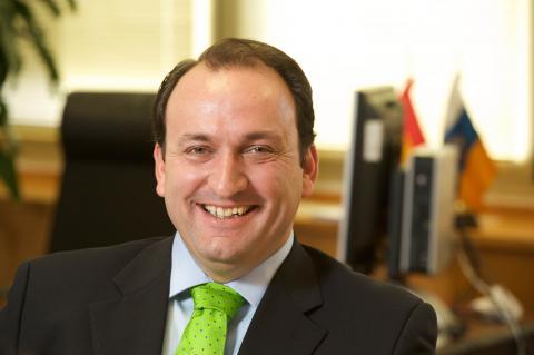 Ricardo Fernández de la Puente