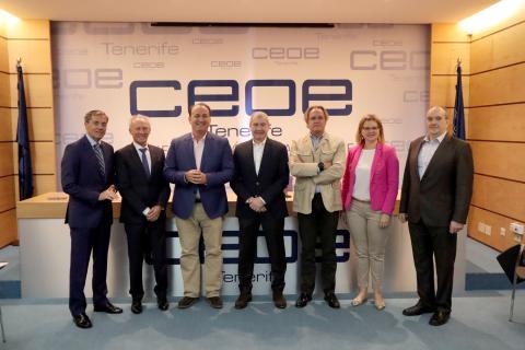 Fernández de la Puente con la CEOE