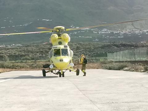 Helicóptero del simulacro de incendio forestal en La Palma