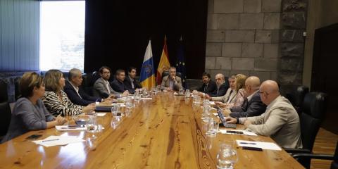 Canarias reunión para evitar impactos negativos por el coronavirus