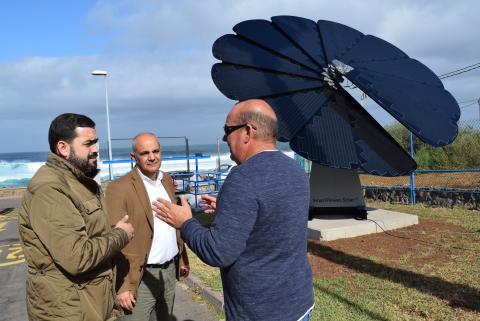 Panel solar de la estación depuradora de Punta Hidalgo