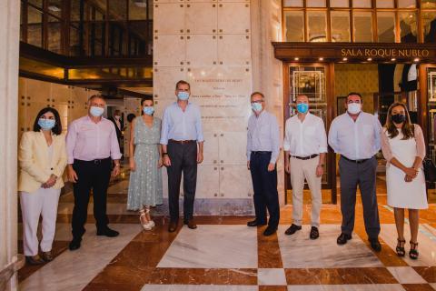 Los Reyes de España inauguran una placa conmemorativa de la reapertura del Hotel Santa Catalina. Gran Canaria