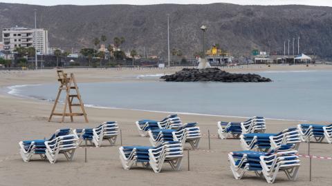 playa cerrada por el coronavirus