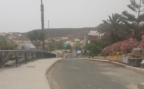 El Ayuntamiento de Arucas asfaltará la entrada al Barrio de Tinocas desde la GC 2