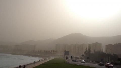 Este jueves, intervalos nubosos, calima, calor y fuertes vientos en Canarias