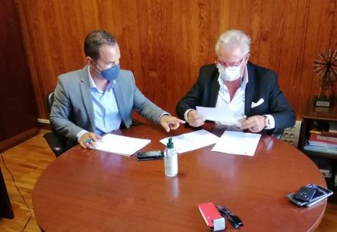 Firma del convenio de limpieza de Yaiza. Lanzarote