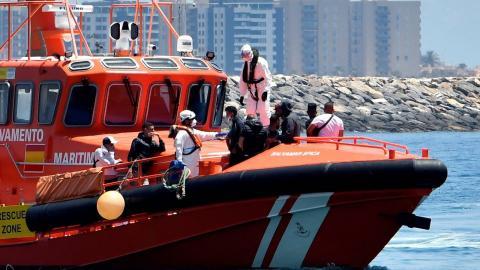 Barco de Salvamento Marítimo con inmigrantes