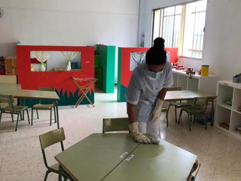 Servicio diario de limpieza en los centros educativos en Teror. Gran Canaria