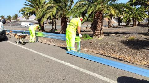 Colocación barreras seguridad. Lanzarote