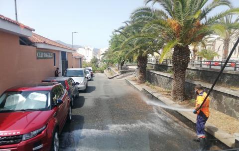 Dispositivo de limpieza contra la COVID-19 en Las Palmas de Gran Canaria