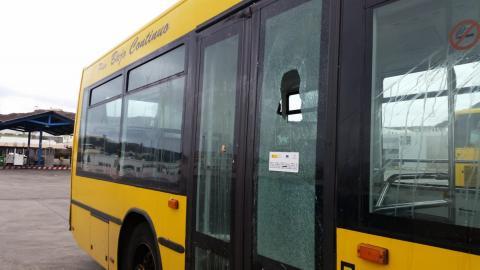 Actos vandálicos en Guaguas Municipales