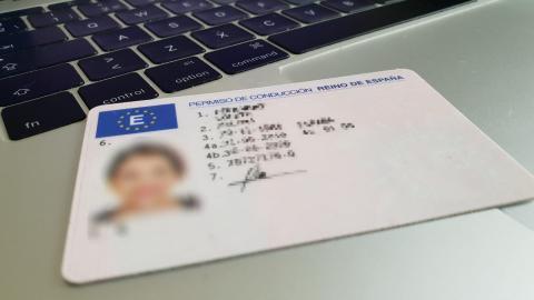 Carnet de conducir de España