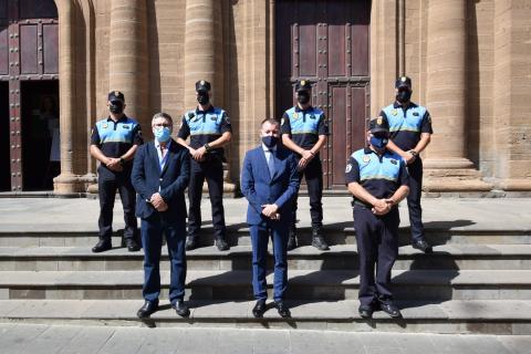 Cuatro agentes de la Policía Local de Gáldar prometen su cargo como funcionarios de carrera