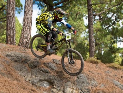 Ciclista en la Transvulcania Bike. La Palma