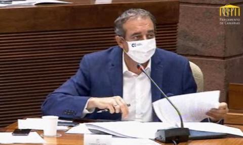 Francisco Moreno  en la comisión de control de RTVC del Parlamento de Canarias