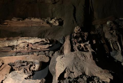 Prácticas funerarias de los antiguos canarios en El Museo Canario. Las Palmas de Gran Canaria