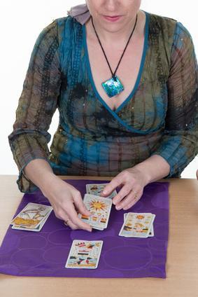 Tarot 806 sin gabinete – Videntes y tarotistas por 806