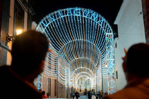 La Laguna enciende la Navidad de forma simultánea en todos sus barrios / CanariasNoticias.es