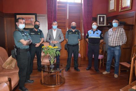 El alcalde de Gáldar da la bienvenida al nuevo Teniente de la Guardia Civil de Guía