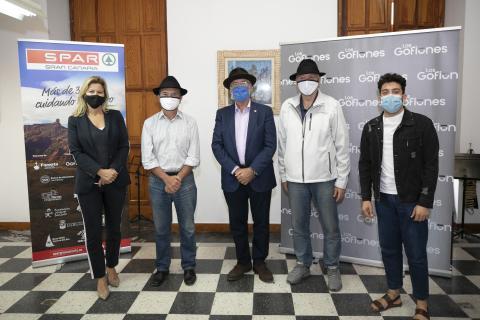 Miembros de la directiva de Spar Gran Canaria y Los Gofiones