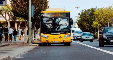 Línea 91 de Guaguas Municipales. Las Palmas de Gran Canaria / CanariasNoticias.es