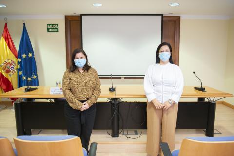 María Concepción Brito y Teresa Gutiérrez en la firma del convenio / CanariasNoticias.es