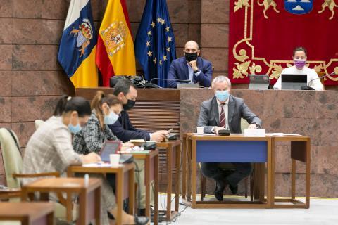 Sebastián Franquis en el Parlamento de Canarias