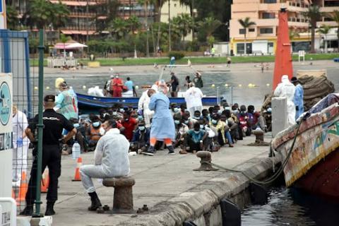 Inmigrantes en el muelle/ CanariasNoticias.es