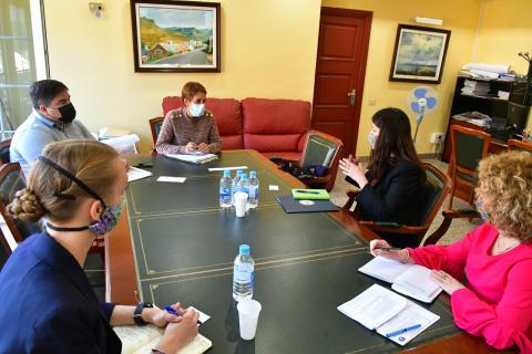 Onalia Bueno y representantes de la Embajada de EEUU en España / CanariasNoticias.es